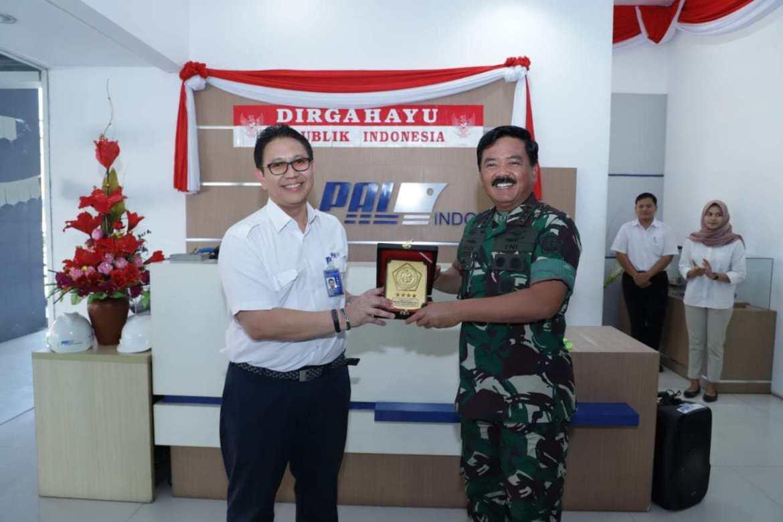 Panglima TNI Tinjau Fasilitas Kapal Selam PT. PAL