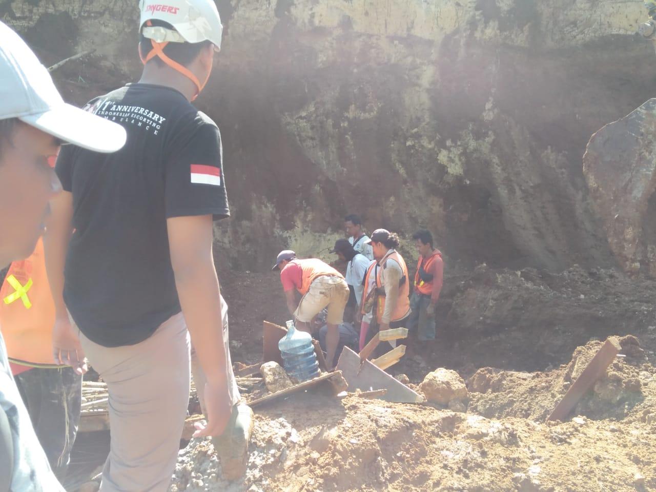 Tebing Longsor Saat Pengerjaan Double Track Bogor Sukabumi 219