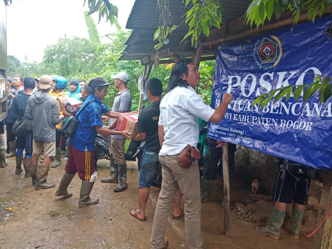 PWI Kabupaten Bogor Salurkan Bantuan Bencana Alam 235