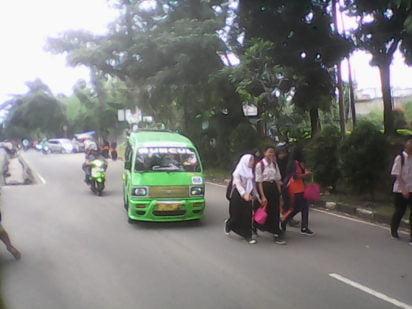 Pelajar SMPN 02 Sukaraja Butuh Bus Sekolah 237