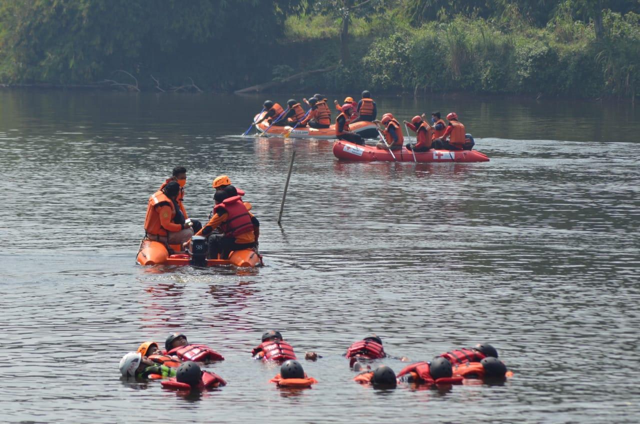 Pramuka Latihan Dayung Water Resque 231