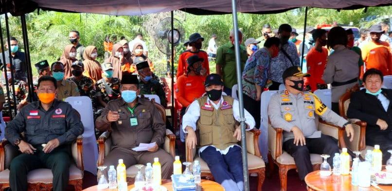 Kapolda Riau Terima Penghargaan Inovasi Dashboard Lancang Kuning, Bupati Alfedri Sampaikan Tahniah