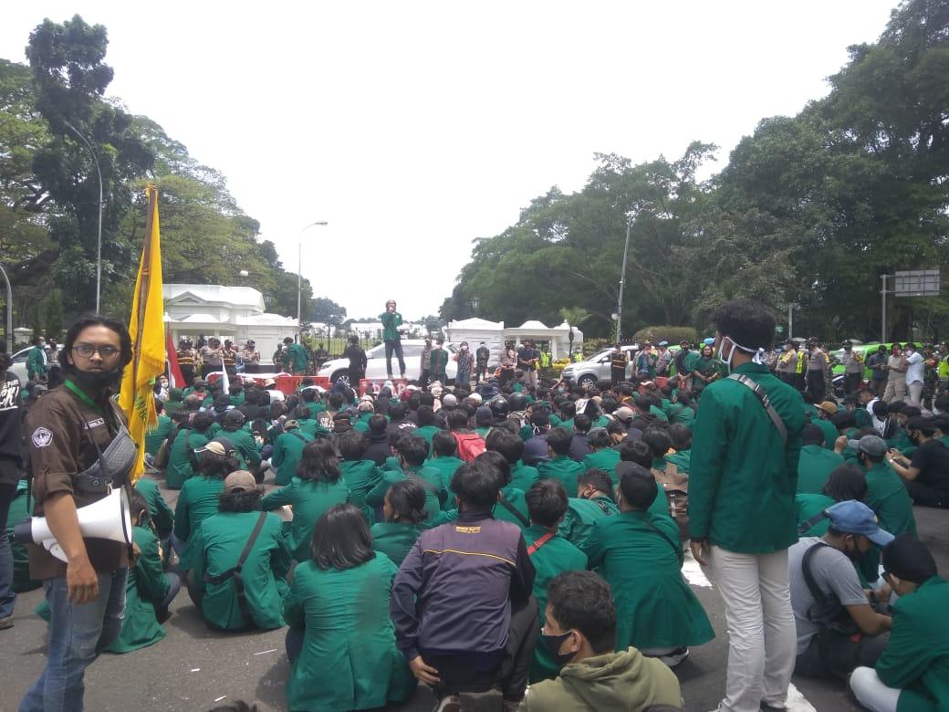 Mahasiswa Kepung Istana Bogor 233