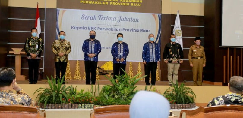 PJS Bupati Siak Hadir Sertijab Kepala BPK Perwakilan Provinsi Riau