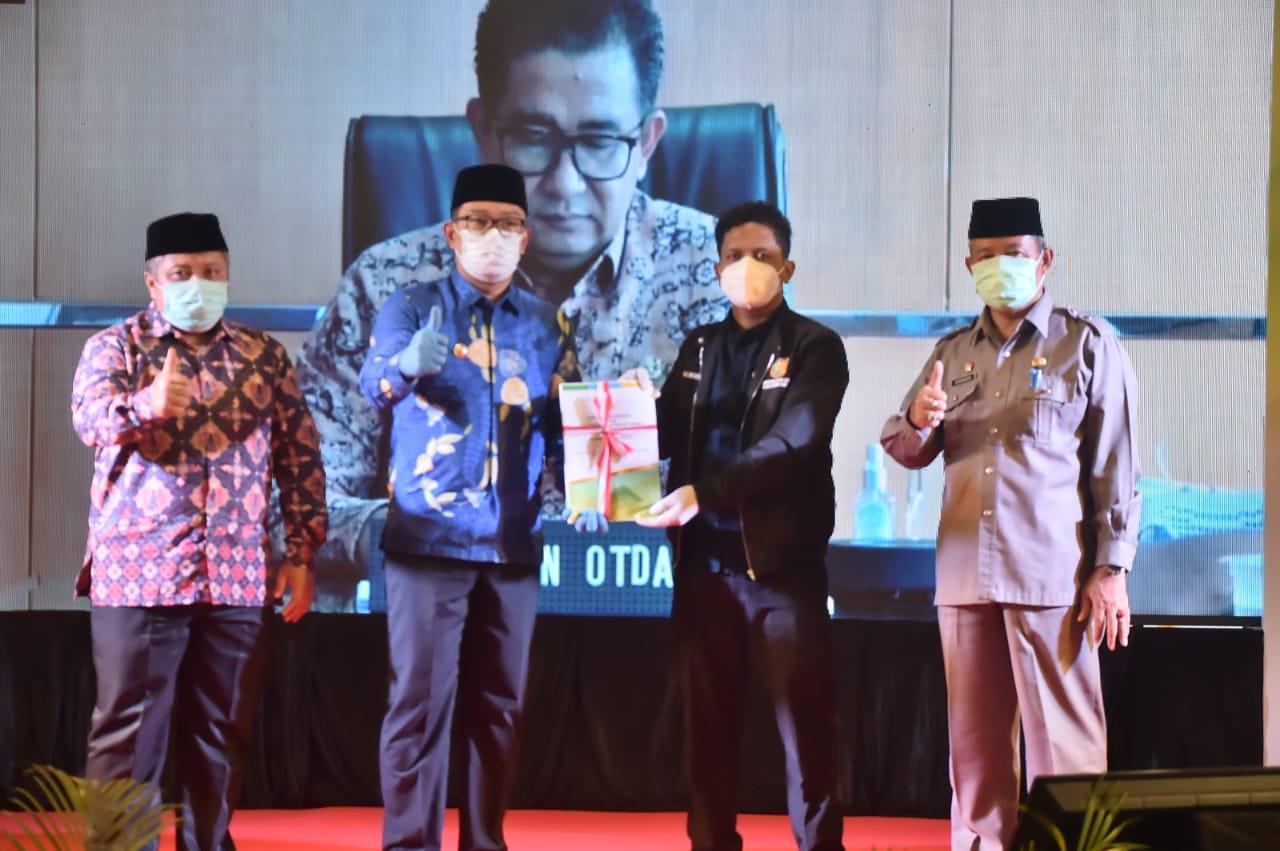 Dokumen Daerah Otonomi Baru Kabupaten Bogor Diserahkan Kepada Pemerintah Pusat 231