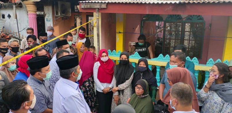 Bupati Santuni Keluarga Korban Kebakaran di Perawang Barat