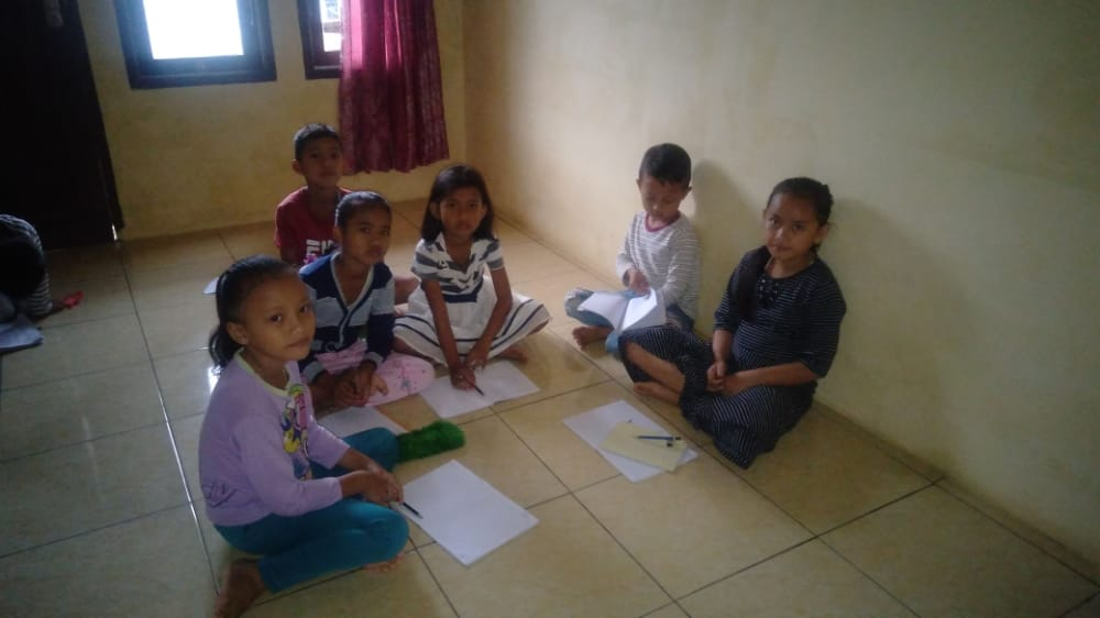 Orangtua Prihatin Belajar Kelompok Dirumah Dengan Fasilitas Minim 233
