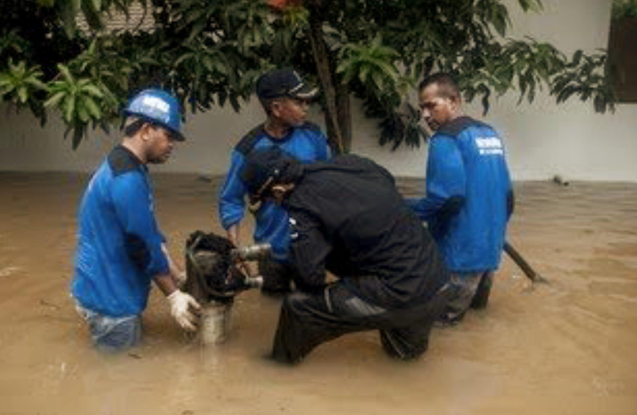 WALHI sebut Pompa Air Tak Bisa Diandalkan Kendalikan Banjir 233