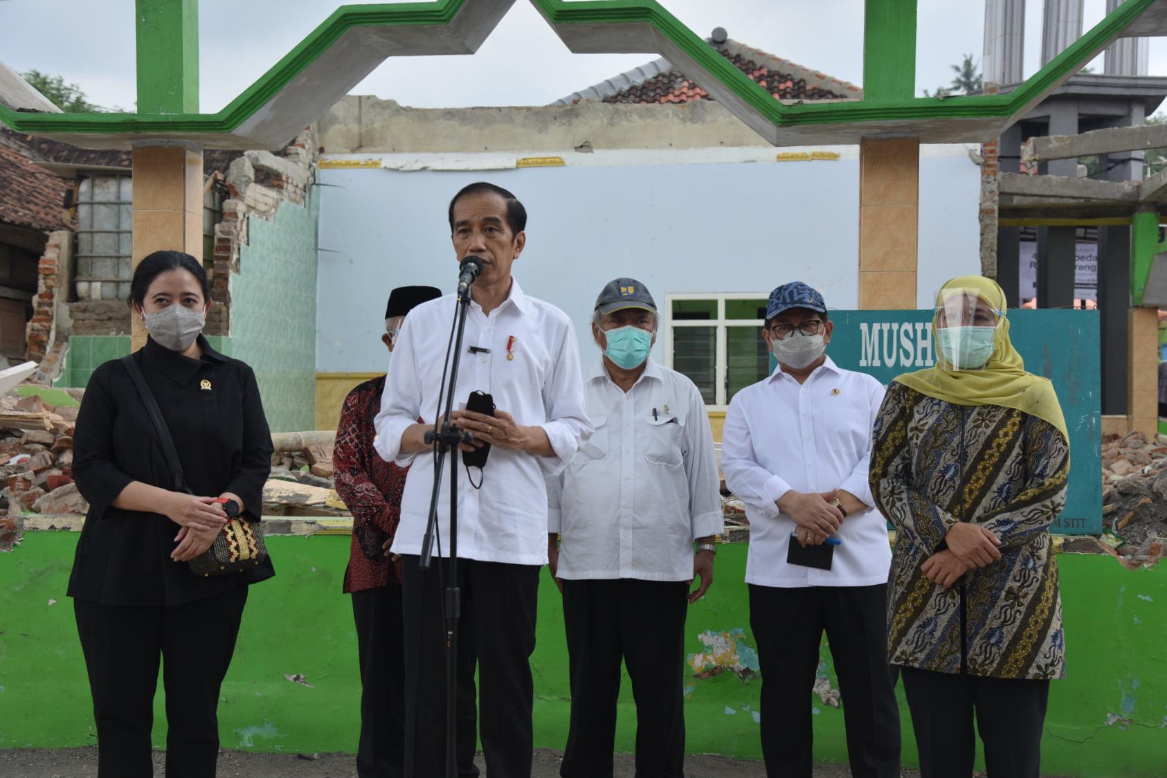 Presiden Tanda Tangani PP tentang THR 233