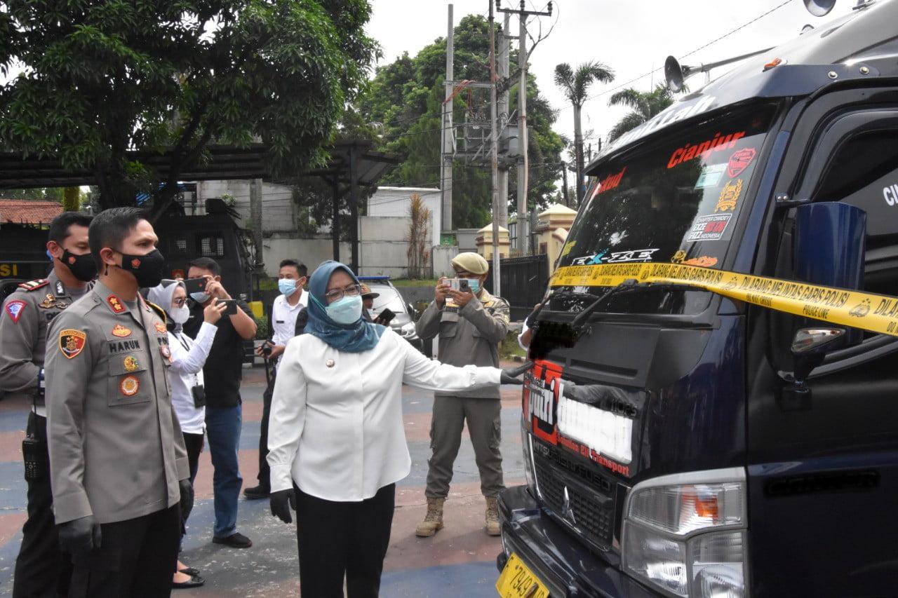 Travel Gelap Angkut Pemudik Diamankan Polisi 235