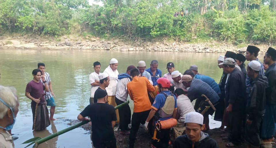 Bocah 7 Tahun Tewas Tenggelam di Sungai Cikamiki 233