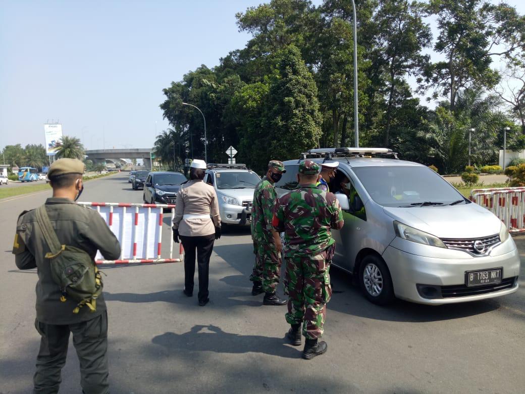 Operasi Gabungan Perketat PPKM Darurat di Babakan Madang 233